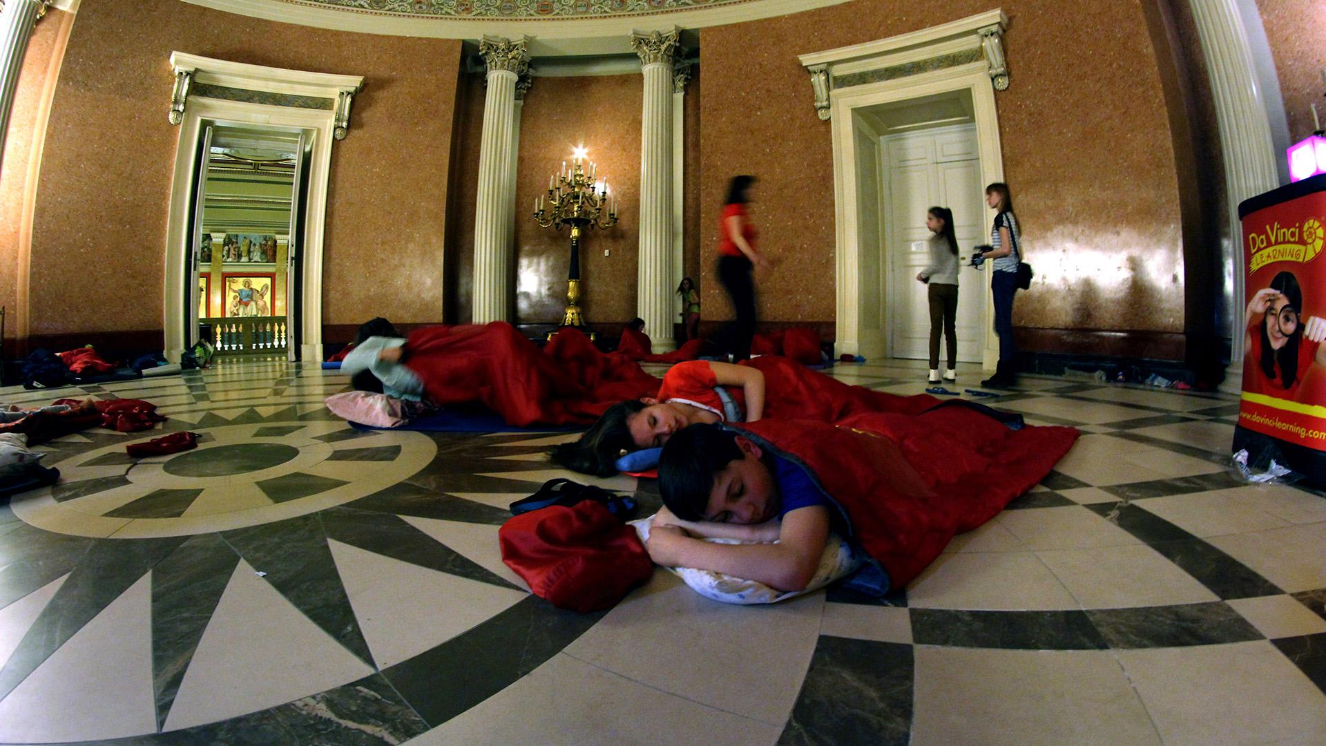 gyerekek kreatív foglalkozás lélek múzeumlátogatás pizsamaparti rólunk szól