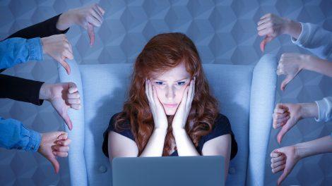 internetes zaklatás molnár fruzsina tabu-témák tanácsok