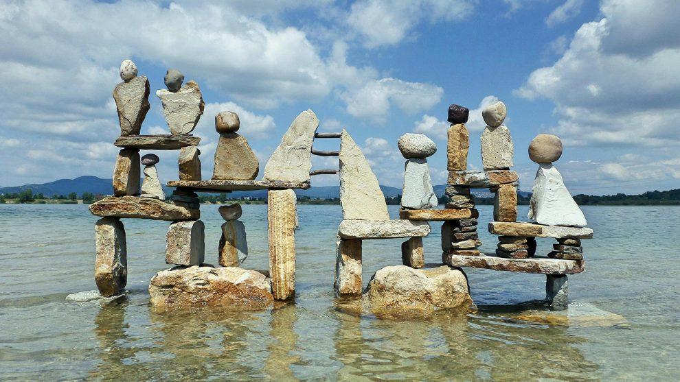 alkotás belicza bea fából épít kánya tamás kőből szobrok tájművészet
