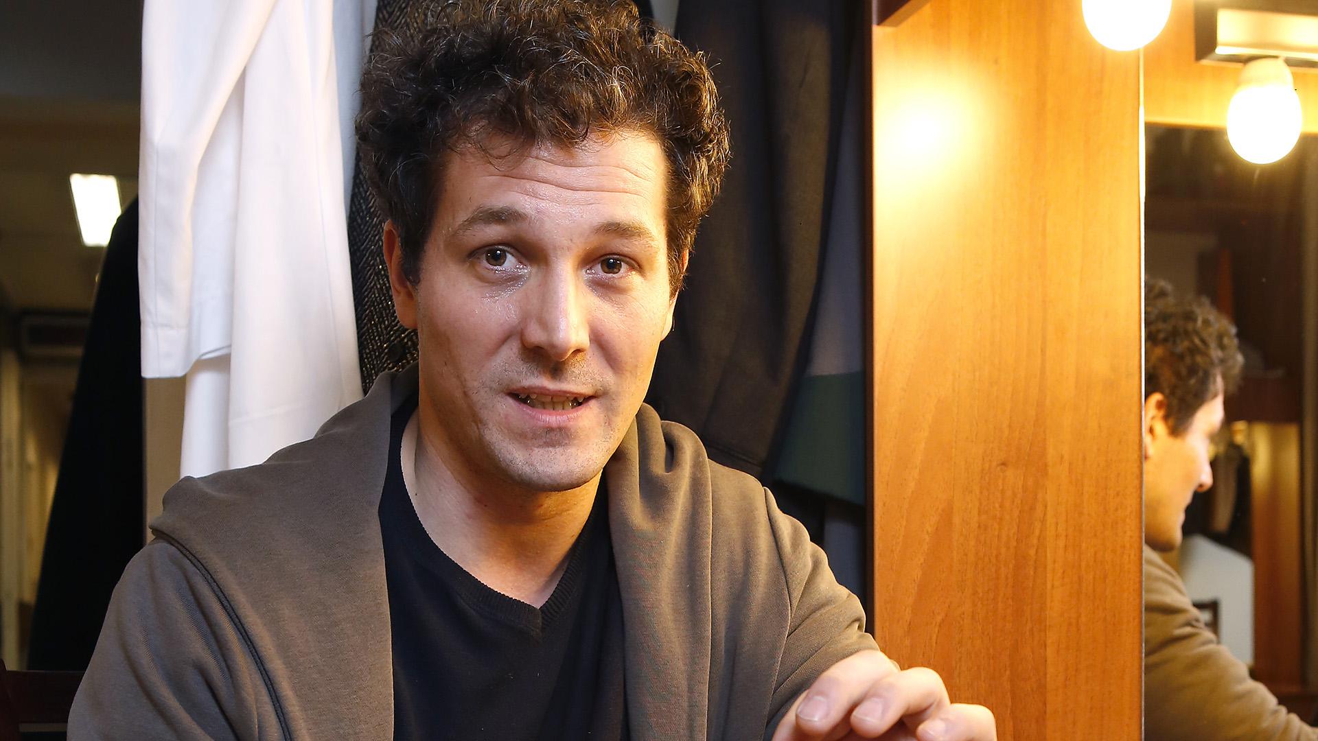 centrál színház főszereplő holczhaffer csaba kojot kostyál márk rendező mészáros andrás
