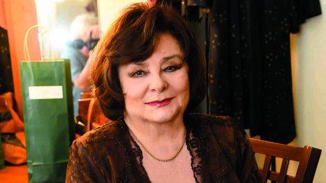a székek című darab béres ilona holczhaffer csaba kőszívű ember fiai legenda pesti magyar színház színésznő