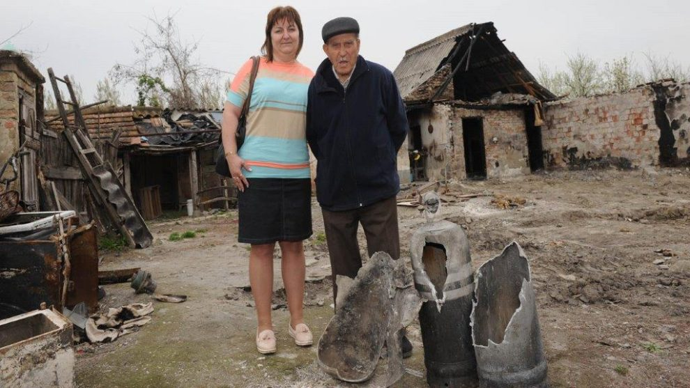 dunapataj falu épít új házat flick ádám bácsi gázpalack robbanás közösség leégett tető összefogás tragédia újjáépít a falu virág márton