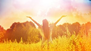 boldogság bokréta ezotéria hajnali harmat lélekgyógyász melitta nyári örömkoktél spirituális áldás titkot őrző levendula ványik dóra