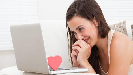 chates felület interneten randizni mayer máté online ismerkedés online ismerkedés alapszabály pár-és családterapeuta vermes nikolett virtuális flört