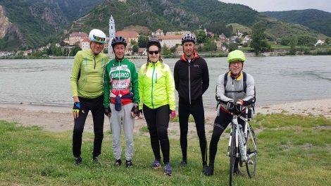 2368 km 26 nap 5 vakmerő biciklista b. molnár márk balázsy károly dublin hpv veszélyei kerékpár nőgyógyász nők életéért tekernek vírus