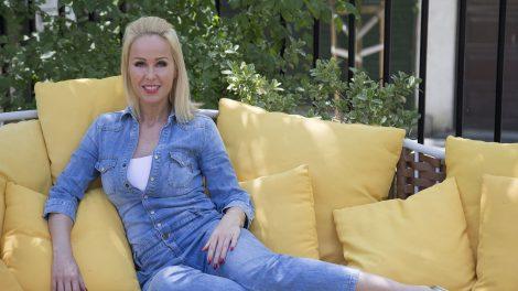 blaha lujza színésznő cinderella mesemusical feleségek luxuskivitelben holczhaffer csaba köllő babett leszállás párizsban luxusfeleség reality műsor reindl ludovika színészi karrier
