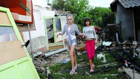 apátfalva égő ház életmentés életveszély leégett ház romok tízéves unoka tűz unoka mentette a nagymamát virág márton