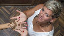 bata kata díjnyertes henna és jaguafestő hegedűs gyöngyvér henna hennafestés kapcsolat művészet