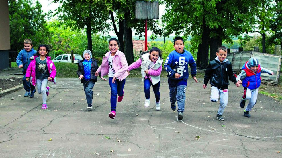 ludasi iskola oktatás önkormányzat összefogás pályázatok papp noémi polgármester tanítás újraindult az iskola vargáné csengeri mónika veres kamilla