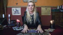 boszorkány ezotéria főpapnő gyógyfűvek iszet mágus szellemvilág ványik dóra varázslás varázslat
