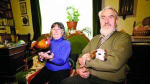 állatmentők állattartás baromfi gazdálkodás gyerekkori álom kakas kecske szurovecz kitti tuba jenő