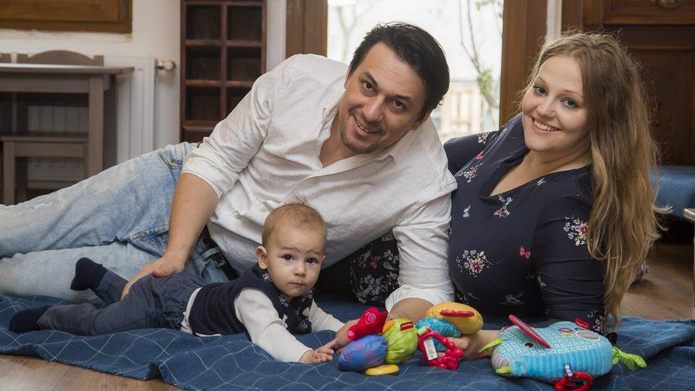 család csillag születik karácsony kisbaba különleges nevek nataniel kisfiúk szenteste szeretet ünnepe tabáni család tabáni istván ünnep ünnep a rajongókkal ványik dóra