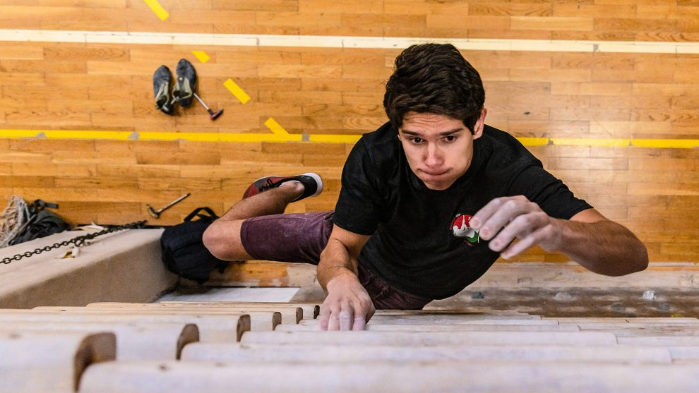 díj edzés falmászás falmászóterem fizikum győztes holczhaffer csaba kitartó ninja warrior serleg sportos strommer lászló strommer soma