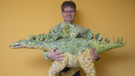 alkotási mód gyümölcskosár liba molnár lászló origami papír papírhajtogatás papírszobrász papírváza papírvirág papp noémi pók sztegoszaurusz teafilter papírja teapapír traktor új technika