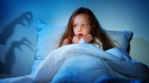 alvás beszélgetés félelem gyerek gyermekpszichológus odafigyelés standovár sára szakember szorongás szülő ványik dóra