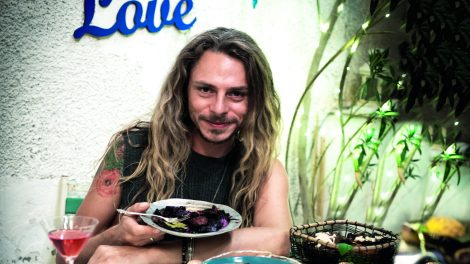 blogger ciprus izrael steiner kristóf szabadság szabadságvágy szurovecz kitti vegán gasztronómia vegán vacsorapartik vlogger