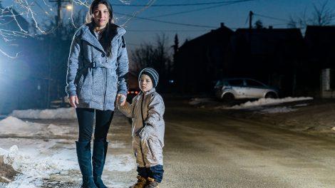 buszmegálló egyedülálló anyuka megváltozott menetrend molnár fruzsina pikács vanessza raffay réka veresegyház volánbusz óvoda