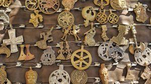 angyalok asztrológia ezotéria kézikönyv mágia picatrix szellemek talizmánok ványik dóra