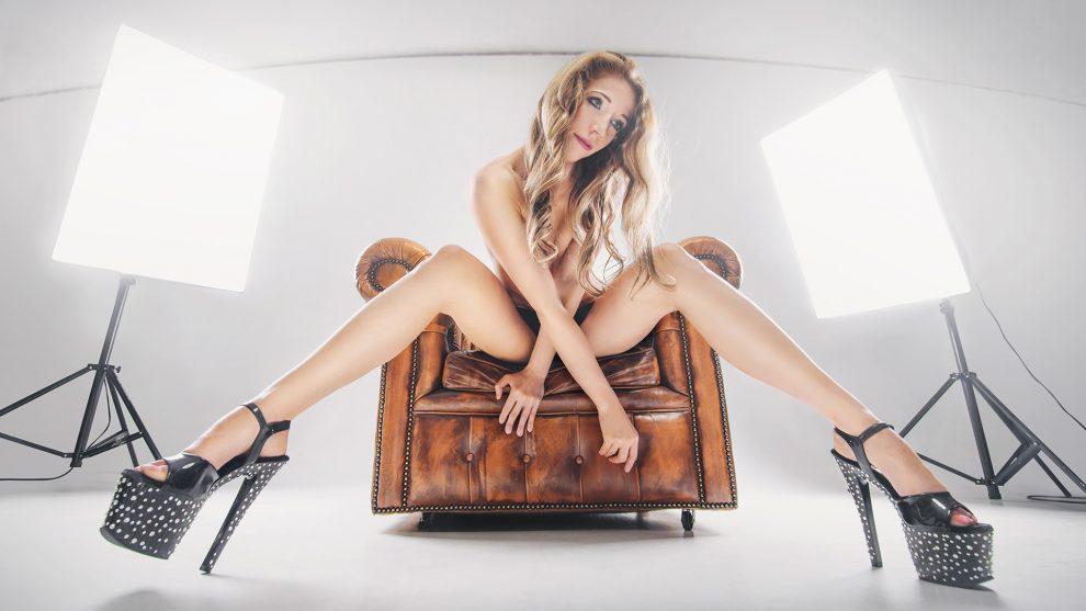 ajándék erotikus fotózás fotóalbum fotós fotósorozat jámbor krisztián nők önbizalom pszichológus szupermodell vágyfokozó ajándék vermes nikolett vizuális inger