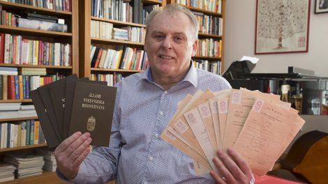 27 nyelvvizsga gaál ottó hobbyzenekar idegen nyelv idegen nyelvű magánkönyvtár középfokú nyelvvizsga nyelvkönyv nyelvtudás nyelvvizsga nyelvzseni papp noémi pingpong szókincs