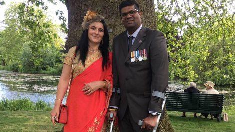 anglia brit hadsereg buckingham palota erzsébet királynő feleség háború katona london magyar konyha mentálhigiénés ápoló singh andrea sors ványik dóra