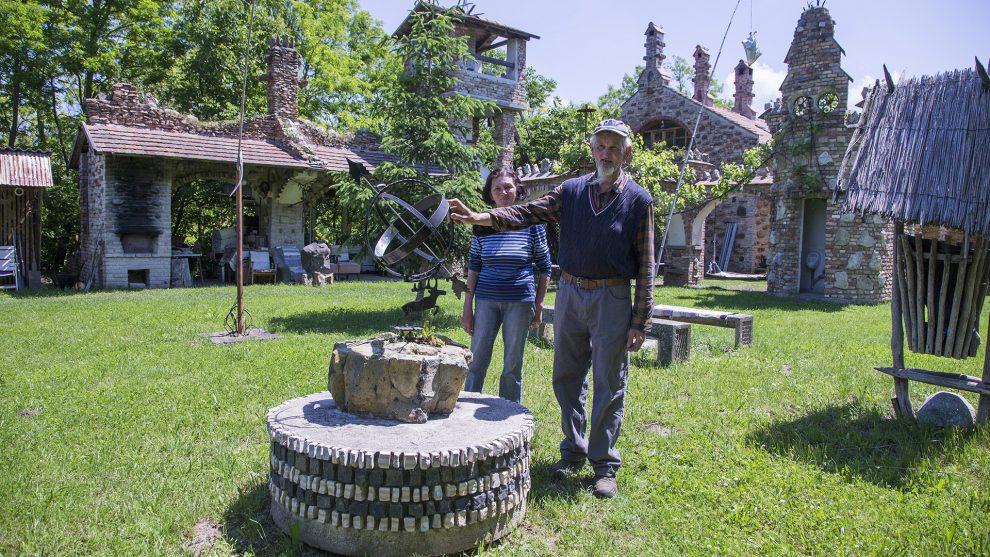 birodalom borász bugaszeg csere jános építőmesterség középkori kastély rádiótávírász tervrajz trónterem turisták újrahasznosított anyag ványik dóra méhész