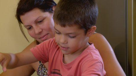 családsegítő diszpécser életmentés eszméletvesztés kórház kovácsné teri megmentette édesanyját mentő molnár fruzsina segélyhívás