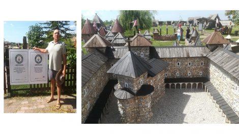 alekszi zoltán bemutató építóanyag fa kiállítás kő középkori várak makett oklevél sár söptei zsuzsanna tégla vár vármakett vármentő várpark vessző