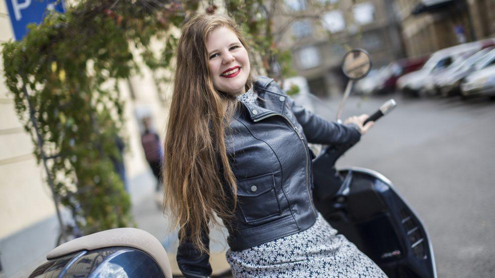 básti juli drága örökösök-sorozat filmsorozat holczhaffer csaba kulka jános mészáros piroska művészet nemzeti színház rtl klub sinkó lászló sorozat szabadúszó színésznő színésznő törőcsik mari