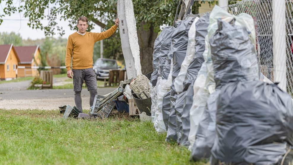 hulladékgyűjtő hulladékszigetek jóga környezetvédelem molnár fruzsina óceán önkéntes párdy bence szemét szemétgyűjtés természet rombolás tisza