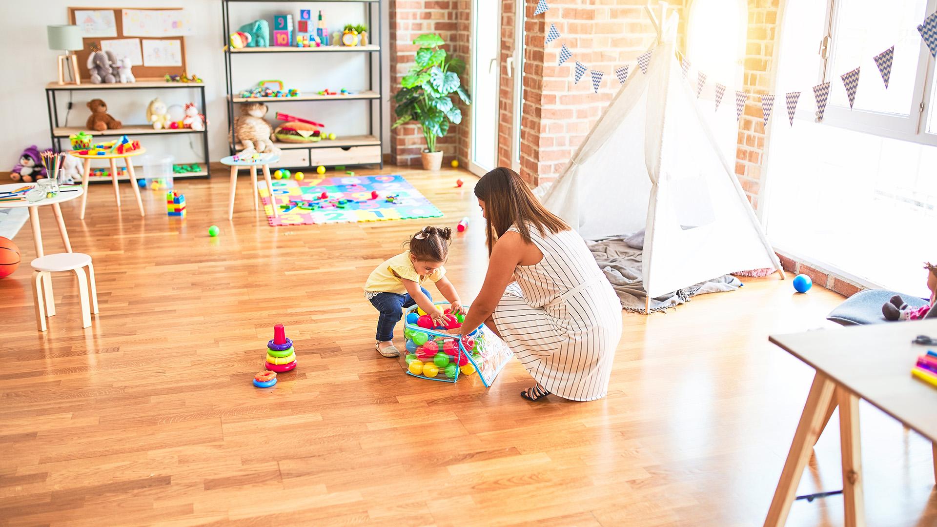 bata kata gyerek házimunka játék játékos hangulat kamasz szerviz vezető szakembere kamaszkor következetesség napirend orsolics zénó példamutatás rend rendrakás rendszer szülő türelmetlenség