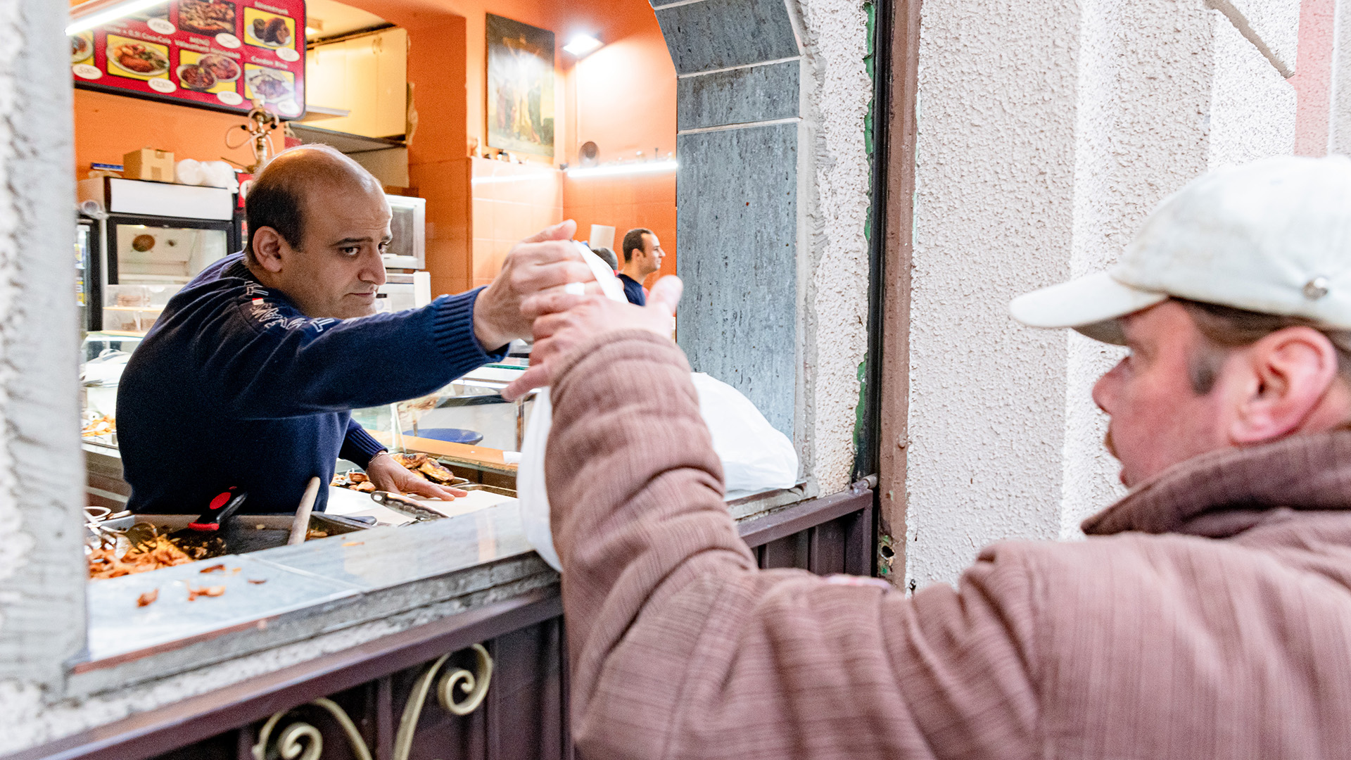 b. molnár márk biblia burkoló egyiptomi gyroszos gondoskodás hana samir kamel ingyen étel lakásmaffia mészáros lászló szeretet