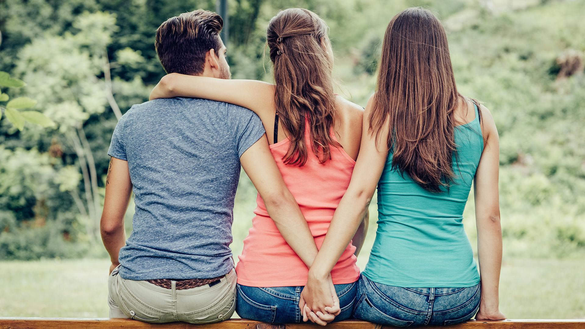b. molnár márk dr. hevesi kriszta házasság hűtlenség kaland lelkiismeret őszinteség szexuálpszichológus válás