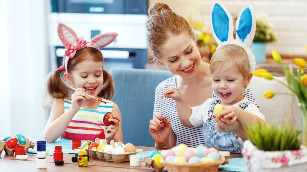 bata kata húsvéti ünnep klinikai szakpszichológus makai gábor modern technikai vívmányok tojásfestés tojásvadászat vasárnapi mise versmondás koronavírus karantén