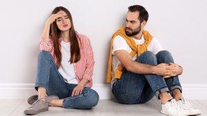 bata kata becsmérlés bűntudatkeltés érzelmi zsarolás féltékenység hiba hűtlenség kémkedés megcsalás megszégyenítés panaszkodás szerető türelmetlenség vetélytárs