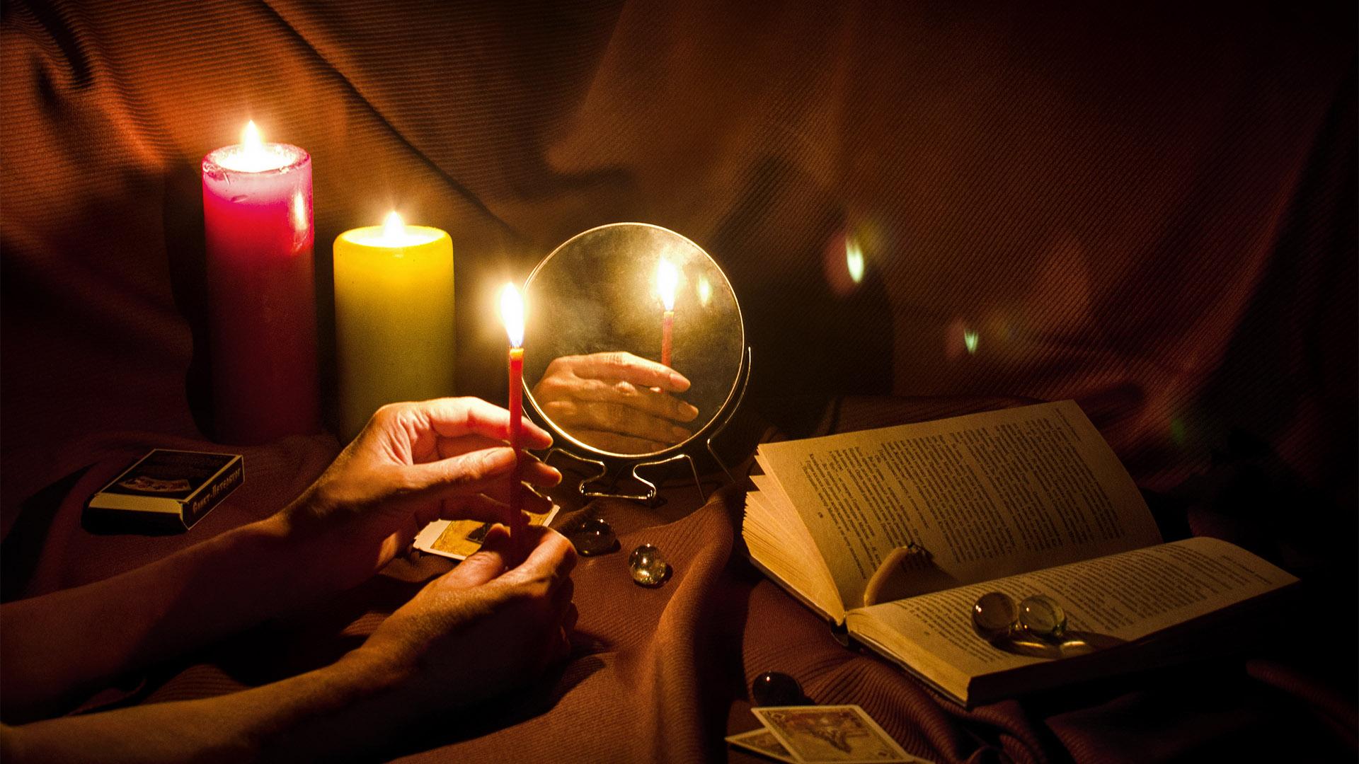 jövőbe pillantás léleksegítő melitta nyugodt álmok rózsavíz szerelmi varázslások tükör mágiája tükörbabonák ványik dóra