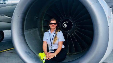 barnyák mónika boeing 737 első tiszt gazdasági válság kanada kerozin légcsavaros gépek meghibásodás pilóta pilótafülke sasvári anita utasszállító