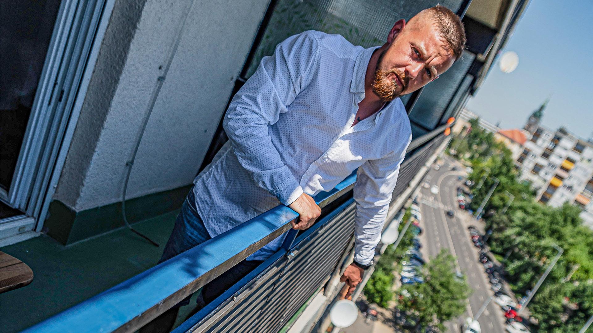 ájulás artistamutatvány debreczeni csilla életfunkció életmentés életmentő kaland életveszély félelemérzet honvédség mentő pókember török márk béla tűzszerész honvéd