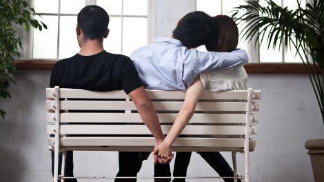 árulás bűntudat félrelépés flört hűtlenség kísértés megcsalás párkapcsolat pszichológus szurovecz kitti villányi gergő viszonyok