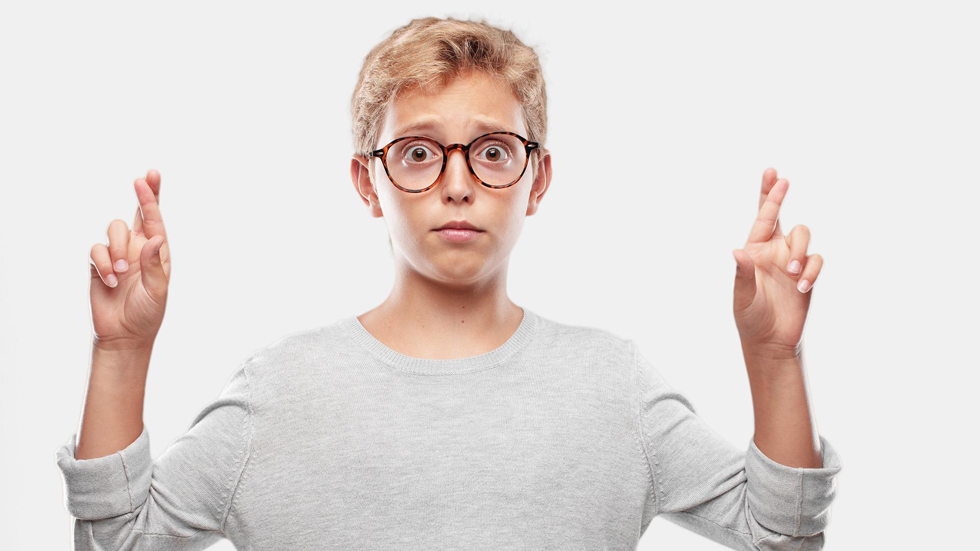 asszertív kommunikáció bizalom biztonságérzet családi háttér düh felnőtté válás gyerek határfeszegetés hazugság kamasz kamaszkori hazugságok pszichológus szülő szurovecz kitti társadalmi helyzet villányi gergő
