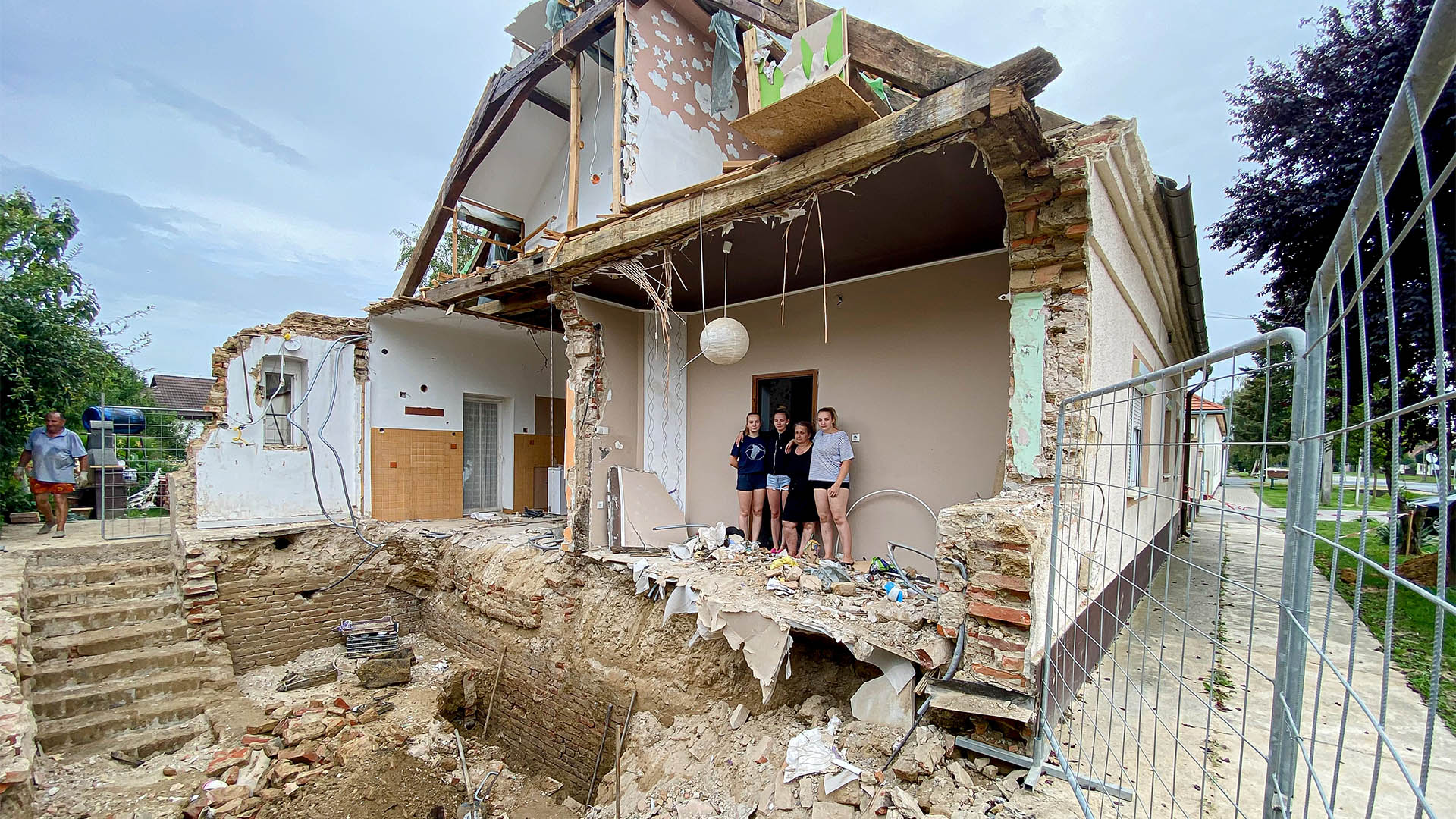 b. molnár márk böhönye családi ház életveszély eső kötél egyesület özönvíz statikus tűzoltóság vargáné kiss barbara villámárvíz