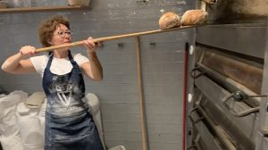 barnyák mónika betegellátás értékrend haldokló betegek hospice jóság jószolgálati nagykövet kovács anita közösségi pékstúdió pék pékállás pékség stressz szemléletváltás tanfolyam