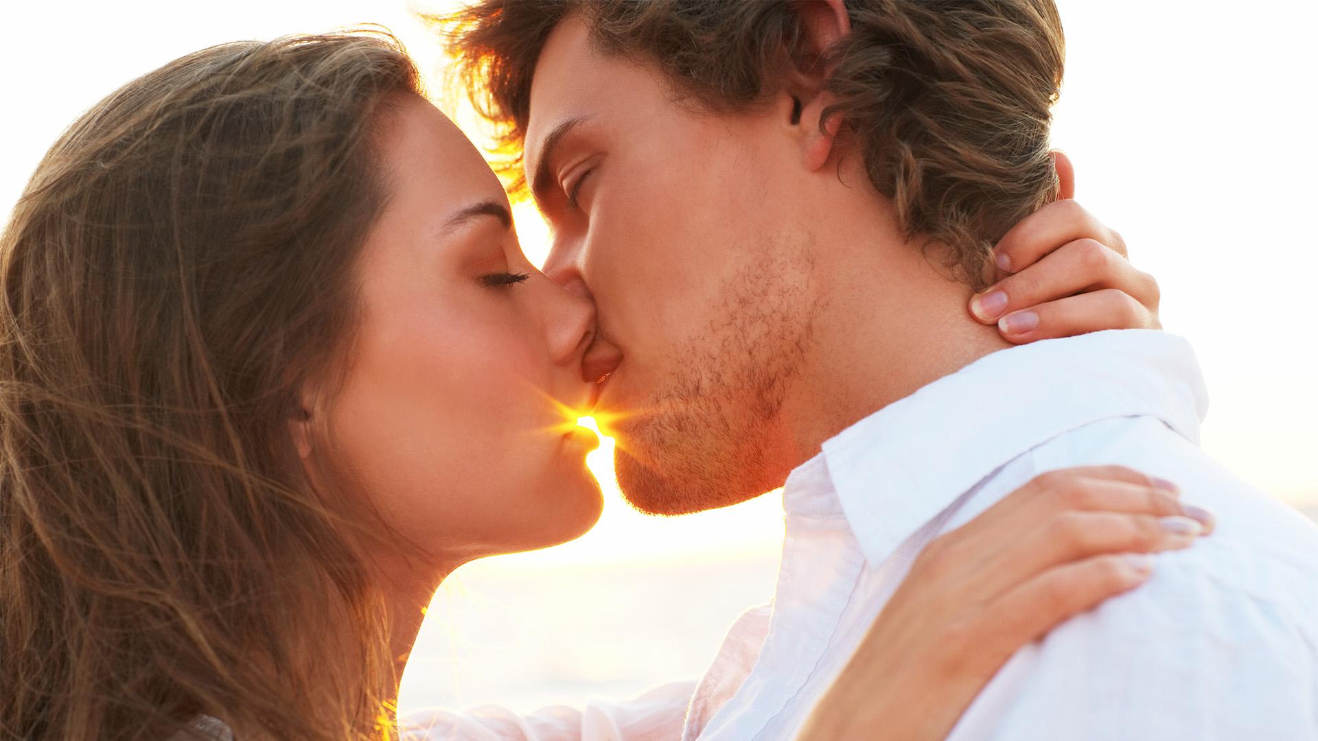 b. molnár márk csók csókolózni filematológia makai gábor párkapcsolat szakpszichológus személyiség ujjlenyomat