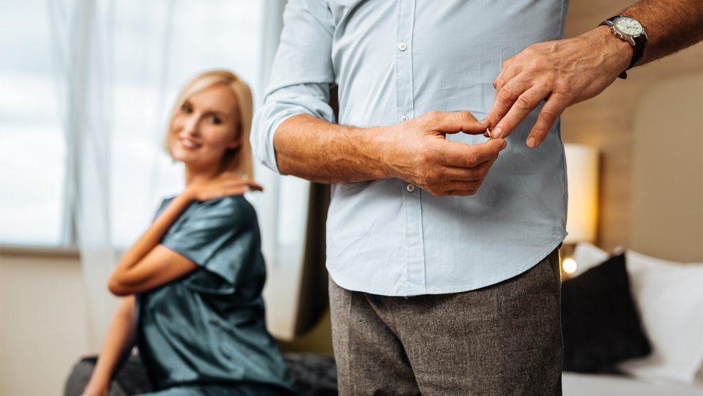 átvertség érzése b. molnár márk bizalom düh hűtlenség kommunikáció makai gábor manipuláció megcsalás őszinteség pszichoterapeuta románc sértettség szerető