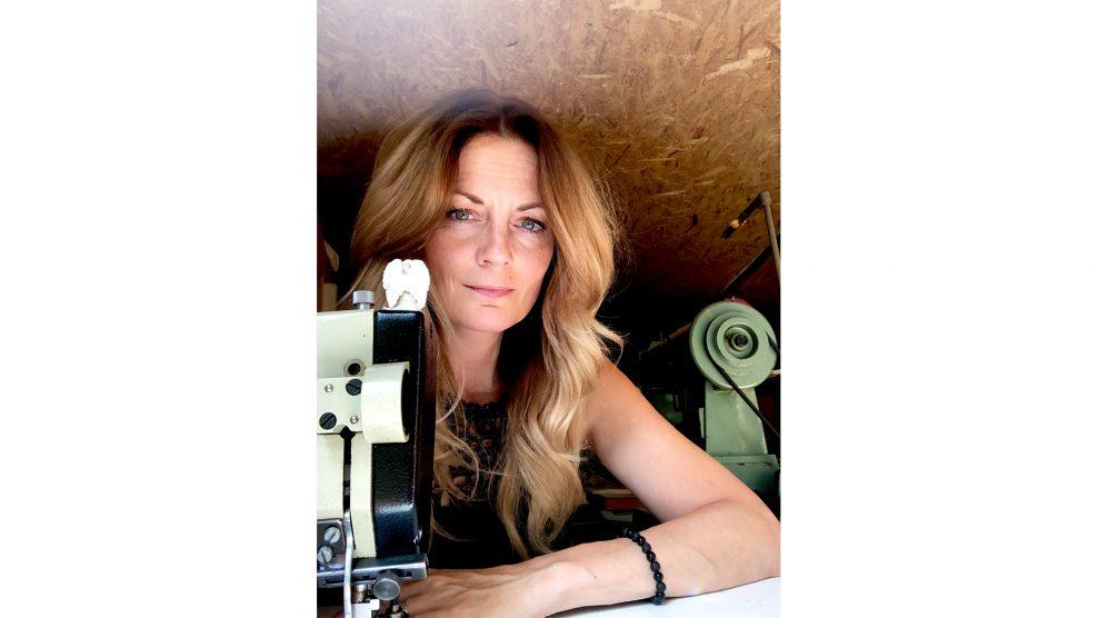 amerikai fashion week barnyák mónika bőrdíszítés bőrművesség bőrtáskák hangtálterápia mandala meditálás nőiruhakészítő szakma varga-zábráczki dóra vászontáskák