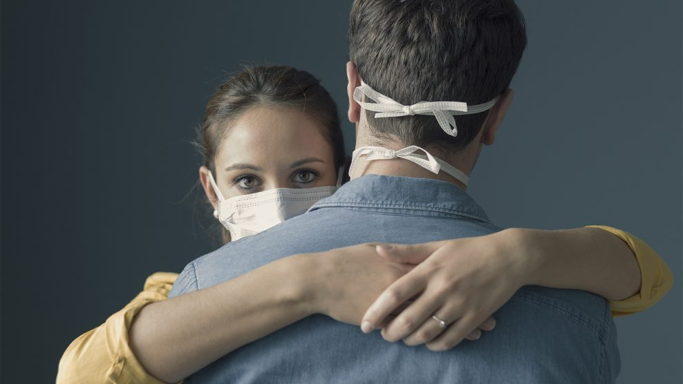 félrelépés ismerkedés járvány karantén koronavírus maszk maszkviselés önbizalomhiány párkapcsolat pszichológus randipartner szerelem villányi gergő vírus zárt személyiség