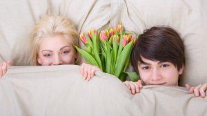 b. molnár márk dr hevesi krisztina érzelmi érettség evolúció fogamzásgátló tabletták kultúra nászéjszaka szexuálpszichológus szorongás szüzesség szűzhártya testi érettség