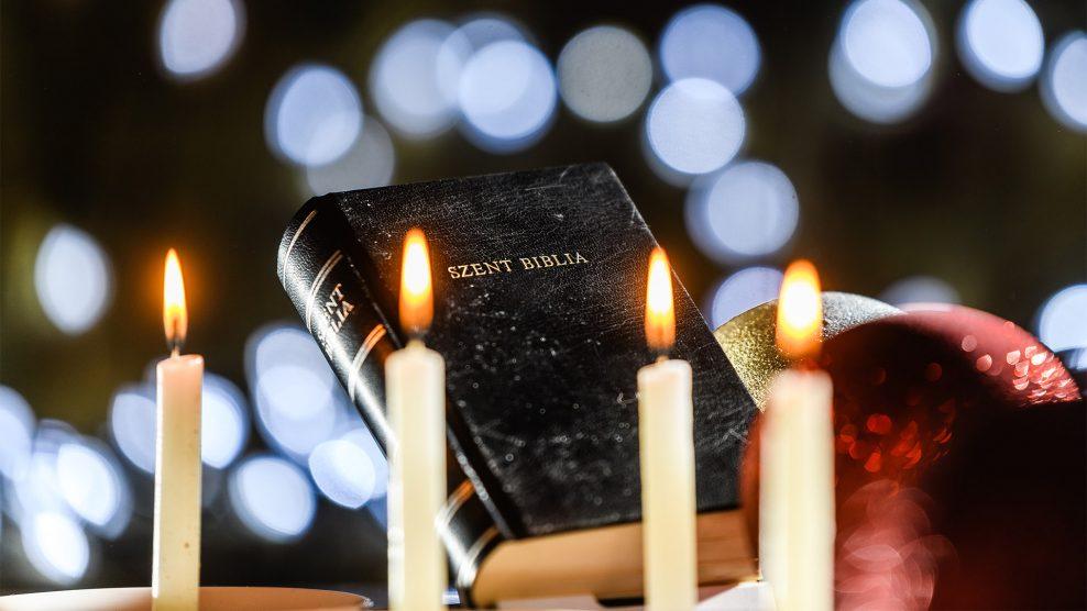 advent bakos zsolt betlehem család debreczeni csilla gyülekezet karácsony katolikus pap koronavírus közösség szolgálata krisztus mise plébános templom