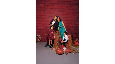 ajándék balatoni kisbolt covid-teszt dancing with the stars fenyőfa foci harcművészet holczhaffer csaba jótékonykodás karácsony karácsonyfa koronavírus légtorna mici műfenyő nánási pál ördög nóra tehetségkutató ünnep venci webshop