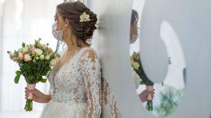 b. molnár márk dr hevesi krisztina esküvő esküvőszervezés házasságkötés koronavírus menyasszony nászmenet szexuálpszichológus világjárvány vőlegény